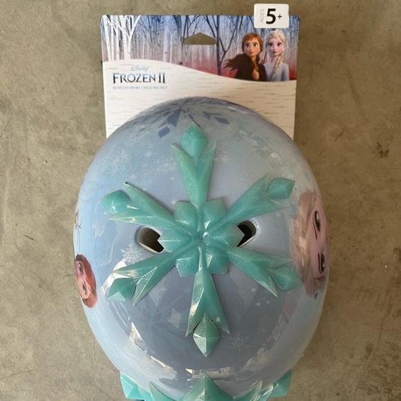 Brand new Frozen 2 Helmet